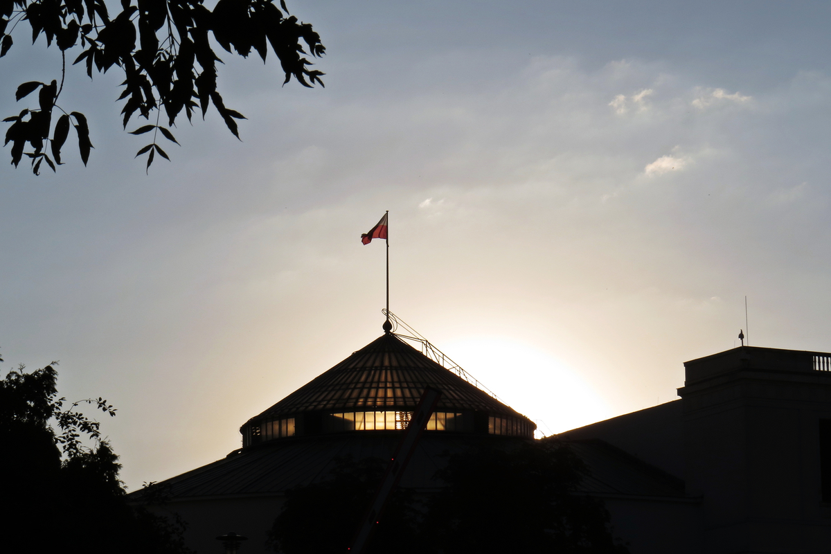 Sun,Sunset,Over,The,Polish,Senate,And,Parliament,Building,In